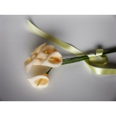 Calla lily posy - off white
